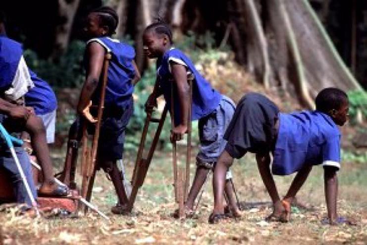 Дети, переболевшие полиомиелитом