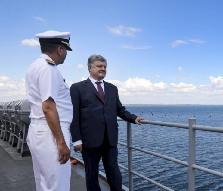 Порошенко объявил , что РФ  может напасть наМариуполь