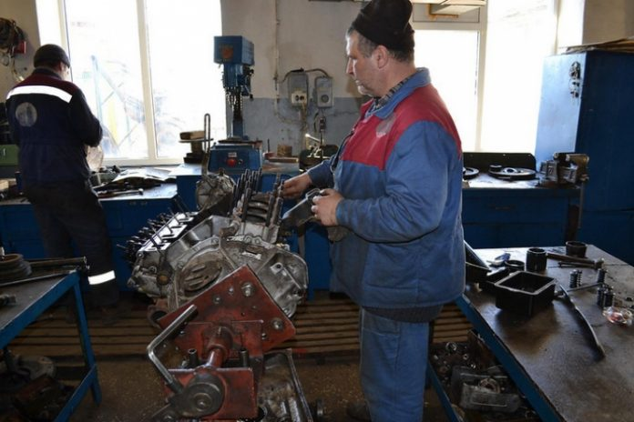 Энергетики восстанавливают оборудование