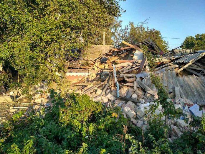 Разрушение строения в результате взрыва