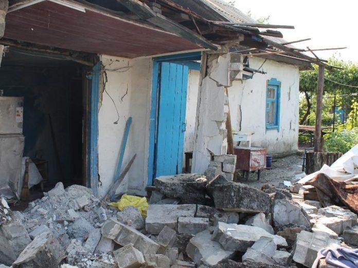 Обстрелян жилой дом в Зайцево