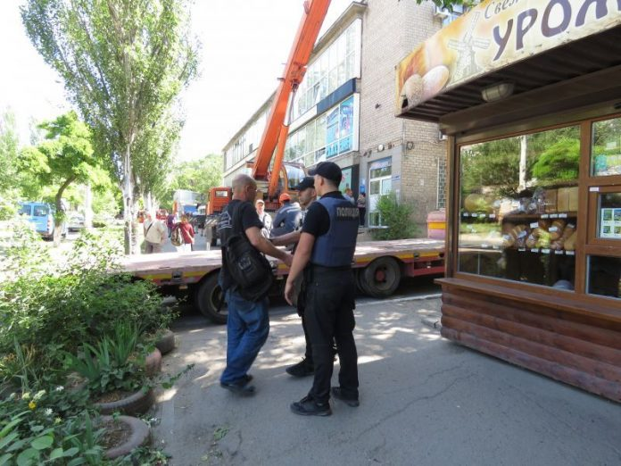 В Мариуполе неизвестные ночью пытались ограбить кофейню ветерана АТО