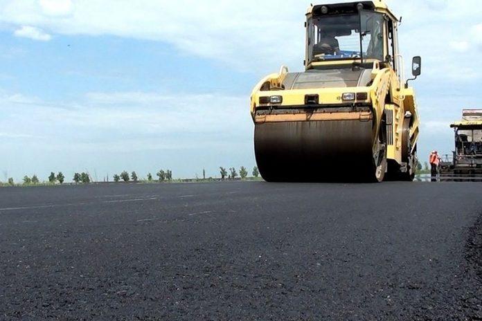 Новоая дорожно-строительная техника появилась в Горловке