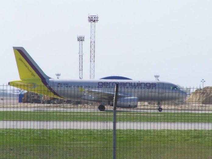 Нужно 10 месяцев на восстановление аэропорта в Мариуполе