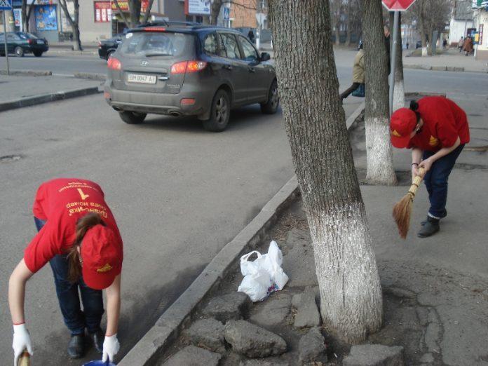 Уборка города в Мариуполе