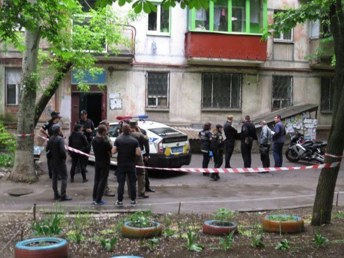 Полицейские Мариуполя задержали местную жительницу по подозрению в сотрудничестве с ополченцами