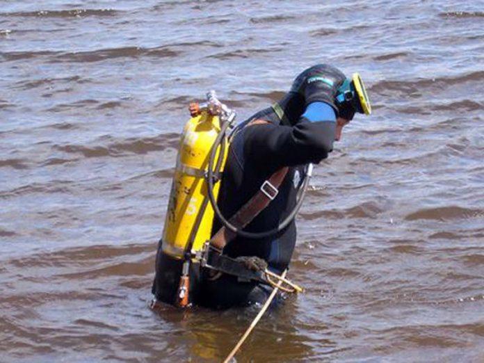 В Курахово на водохранилище спасатели обнаружили тело утонувшей женщины