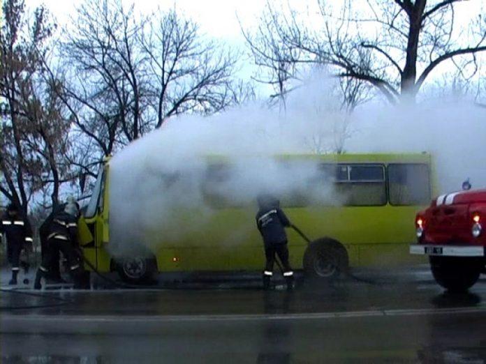 18 июня в центре Лисичанска горела маршрутка