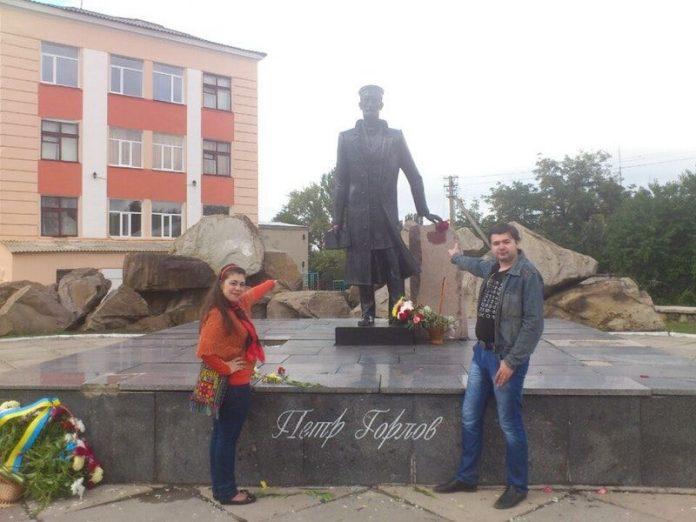 В Горловке реставрируют памятник Петру Горлову