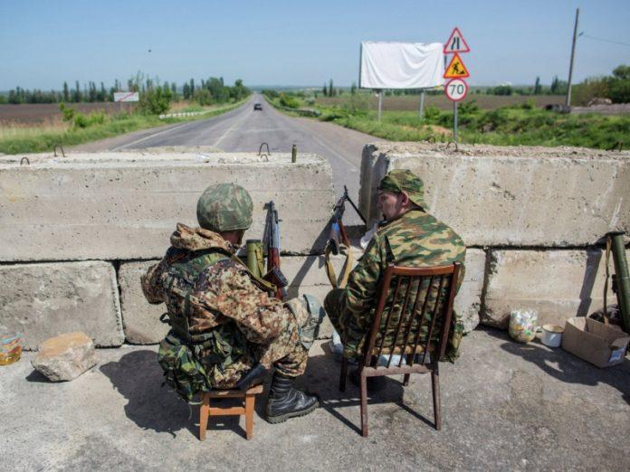 МВД Украины усилило патрулирование в Станице Луганская после разведения сил