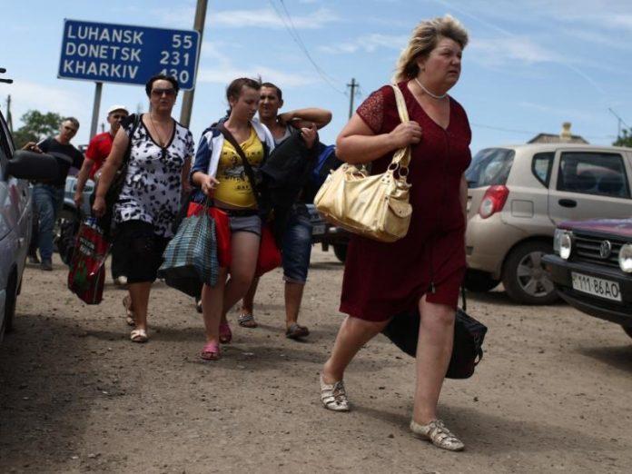 Треть переселенцев из числа ВПО не собираются возвращаться на Донбасс после завершения боевых действий