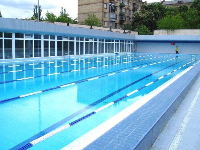 В Курахово возобновит работу уникальный бассейн под открытым небом