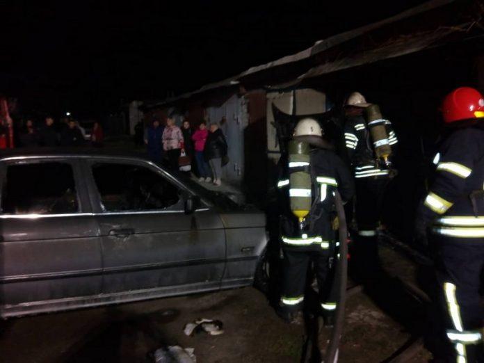 В частном гараже Северодонецка горел автомобиль