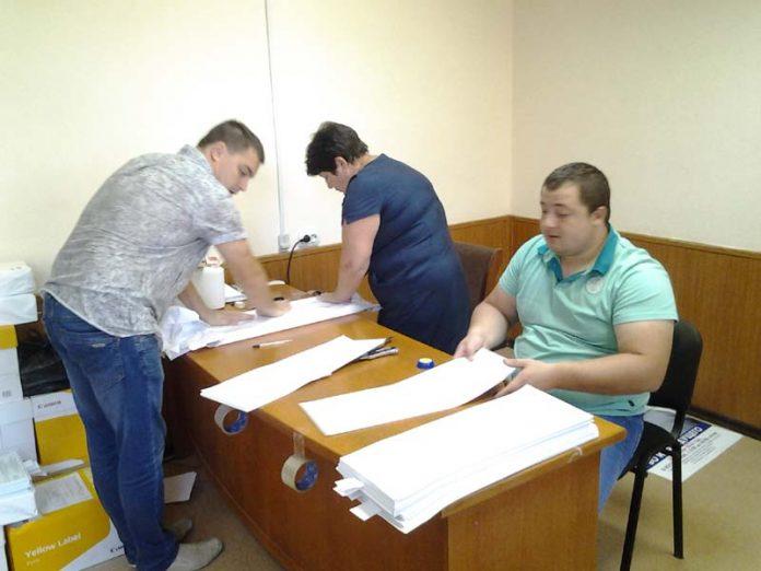 В Покровке на избирательном округе № 50 напали на журналистов